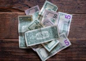 El dólar gana su valor frente a las otras divisas. La libra esterlina pierde.  Peso mexicano recupera su terreno frente al dólar.