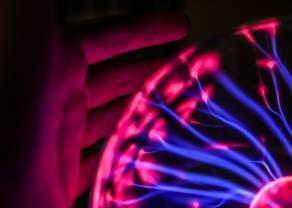 Grifols compra 25 centros de plasma para reforzar su negocio. Los resultados de 2020 inquietan al mercado