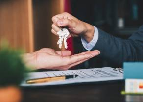 La compraventa de vivienda en España se estabiliza en niveles prepandémicos ( sector inmobiliario )
