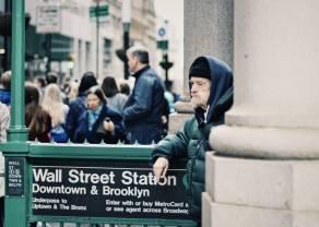 Las acciones se negocian con cautela tras la caída de Wall Street