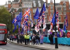 Las bolsas respiran tras confirmarse los catalizadores del Brexit y el plan de estímulo