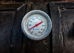 Las temperaturas y las bolsas suben: Dow Jones rompe los 27.200 puntos