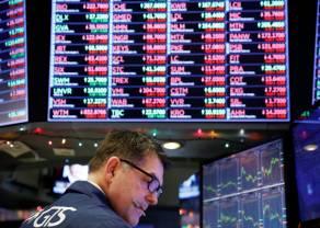 Monedas caen y la bolsa general cierra en medio de mayor aversión al riesgo (Actualización precios al cierre)