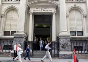 Peso de Argentina (ARS) en plazas alternativas presionado a la baja por mayores restricciones (Bolsa de Argentina)