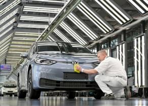 VOLKSWAGEN muestra su confianza en los vehículos eléctricos con una meta de mayores márgenes