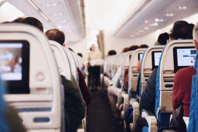 Analizando IAG dentro de un panorama de re activación del turismo ¿seguirá volando en el IBEX?