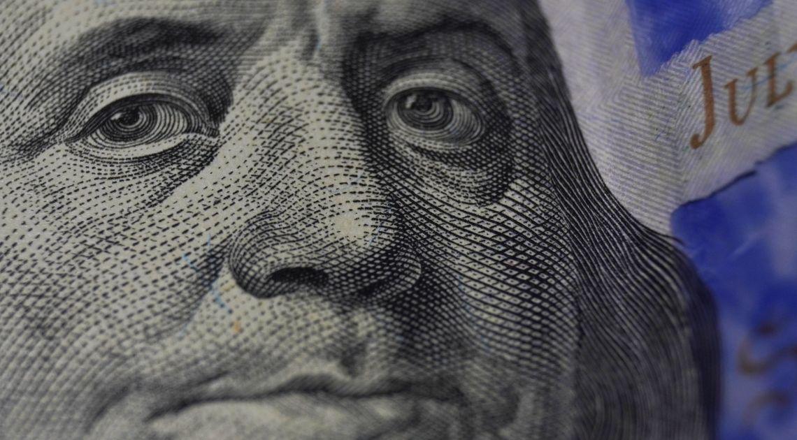 Cambio USDJPY y GBPUSD, el Dólar cerca de máximos anuales, la Libra en reversa y el Yen se rinde.