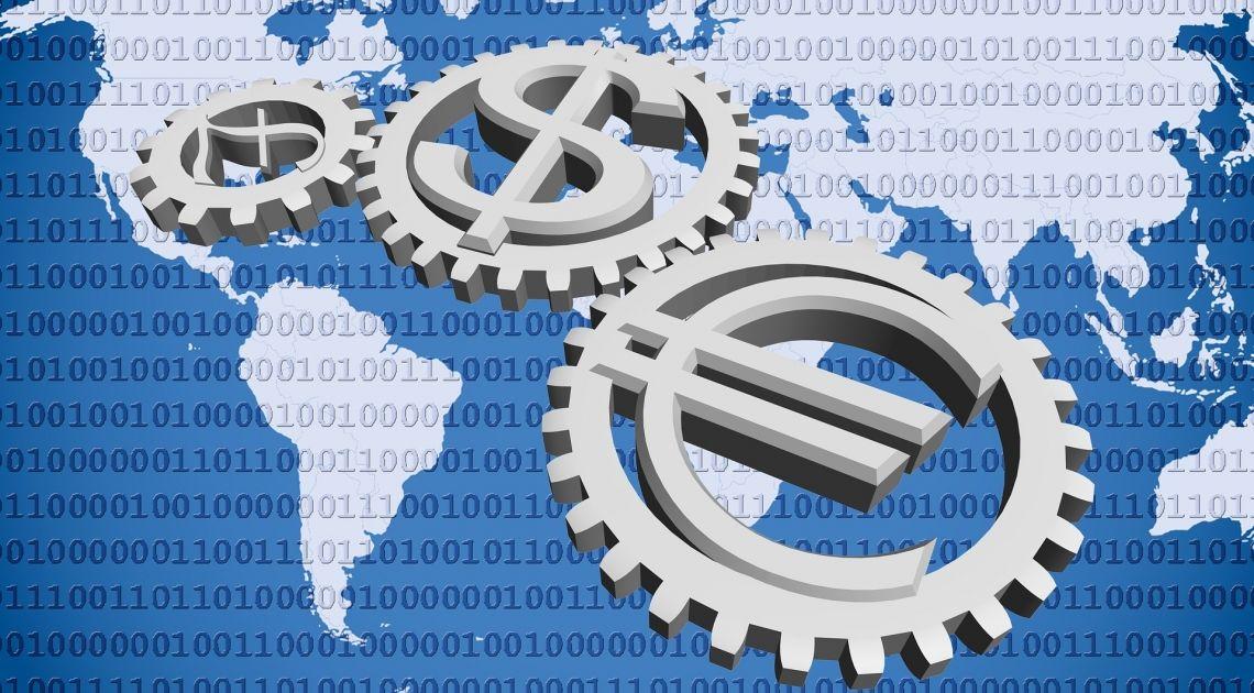 Comprobamos la cotización del Euro contra el Dólar Norteamericano y la Libra Británica