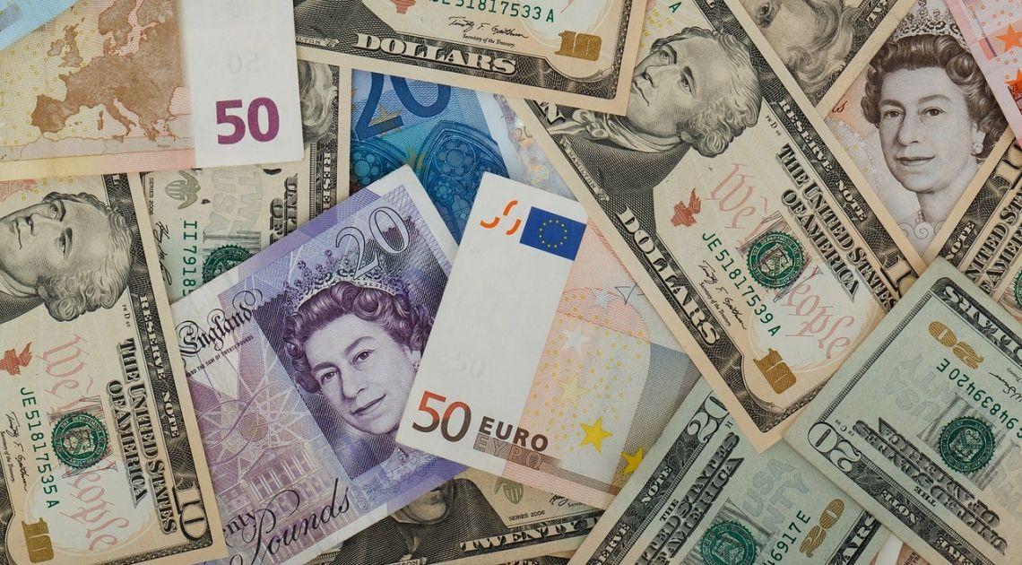 Divisas; Breve repaso al inicio de semana del Euro contra Libra Esterlina y el Yen Japonés además comprobamos el GBPUSD