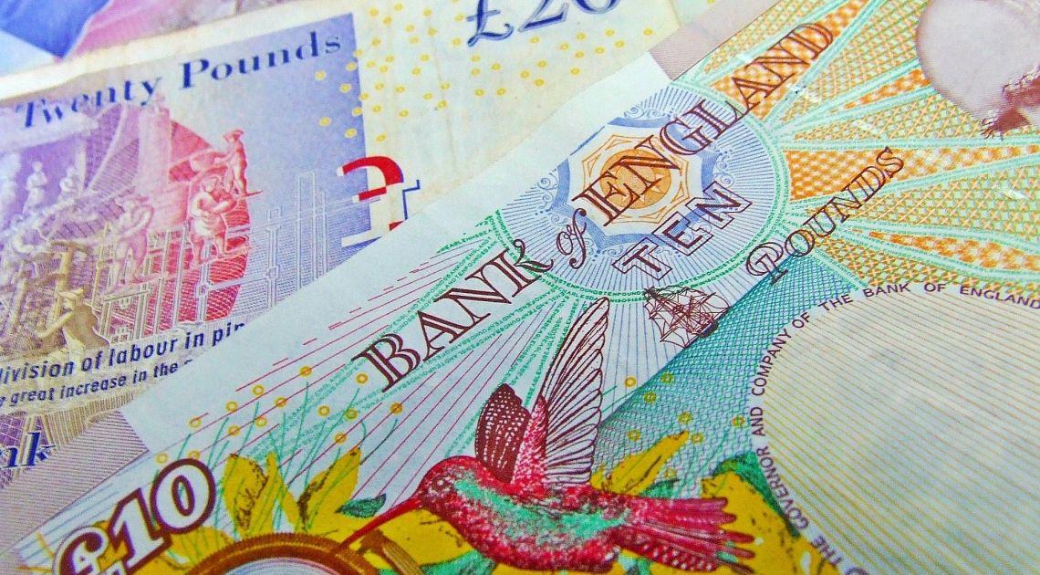 Divisas; Comprobamos el valor de la Libra Esterlina contra Yen Japonés y Franco Suizo