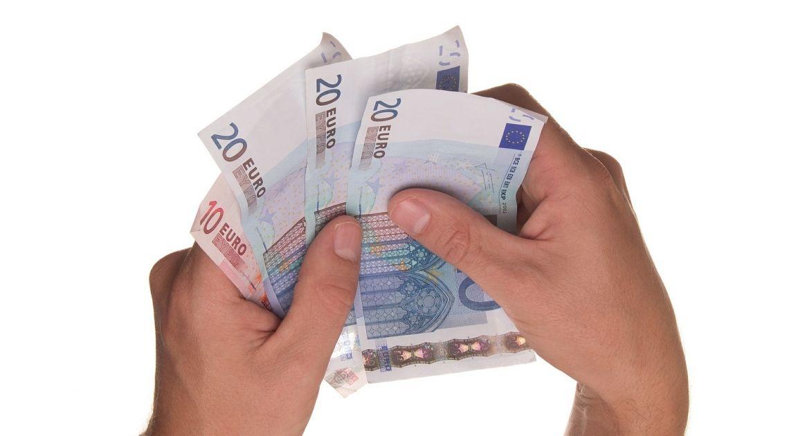 Divisas; Comprobamos el valor del Euro contra Libra Esterlina y Yen Japonés