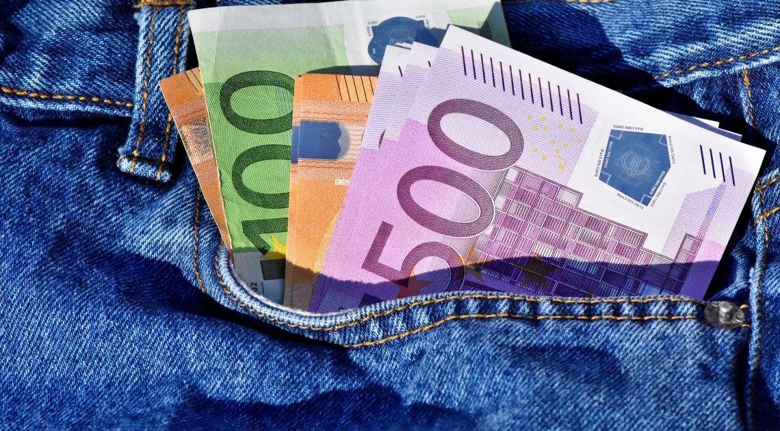 Divisas; Repasamos la actividad del Euro contra Franco Suizo y Dólar Estadounidense