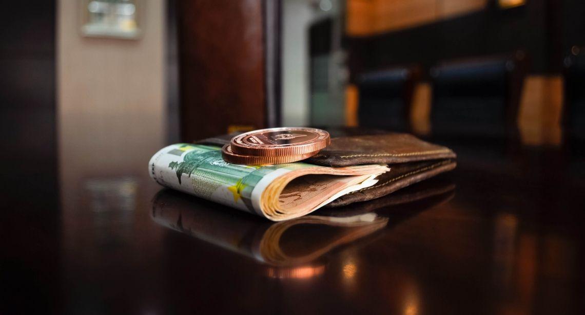 Divisas; Repaso semanal del Dólar Estadounidense y Franco Suizo contra el Euro