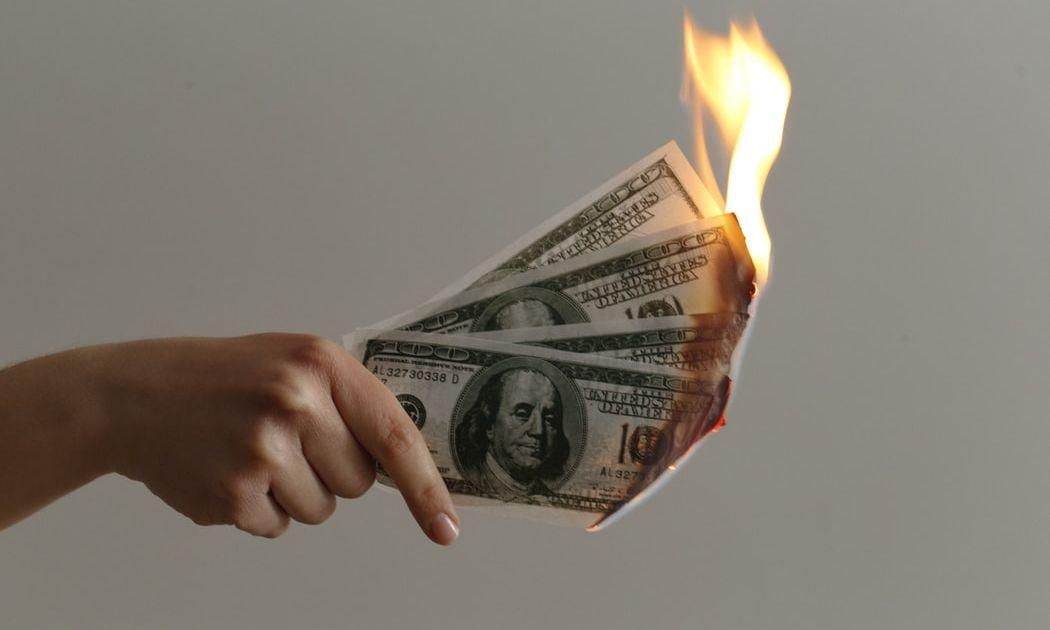 ¡El dólar estadounidense pierde su valor frente a las otras divisas! Analizamos el cambio Euro Dólar Estadounidense (EUR/USD), Libra Esterlina Dólar Estadounidense (GBP/USD) y Dólar Estadounidense Franco Suizo (USD/CHF)
