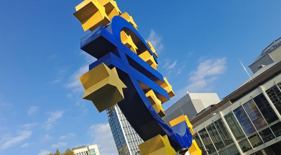 ¡El euro está subiendo rápidamente frente al dólar! Publicamos los tipos de cambio actuales: libra euro, dólar franco y libra dólar.