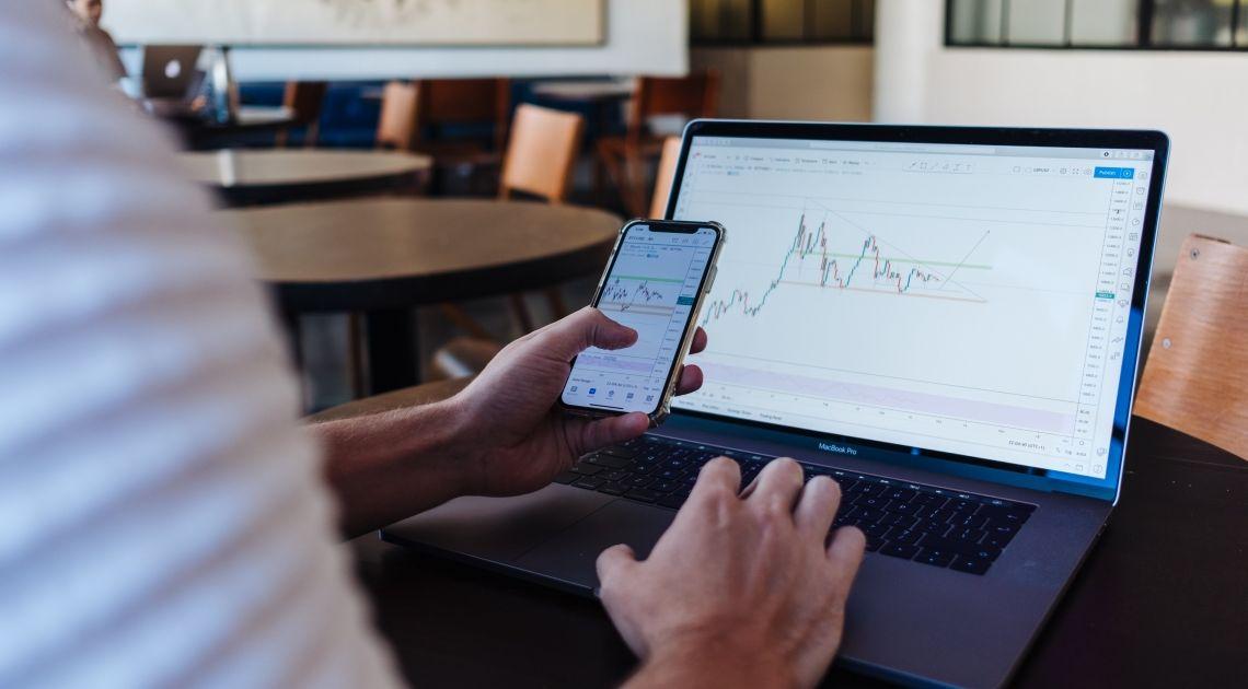El Ibex sube un 1,12% animado por Wall Street