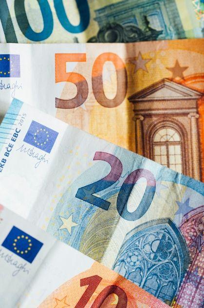 El Parlamento apoya los bonos para luchar con la crisis