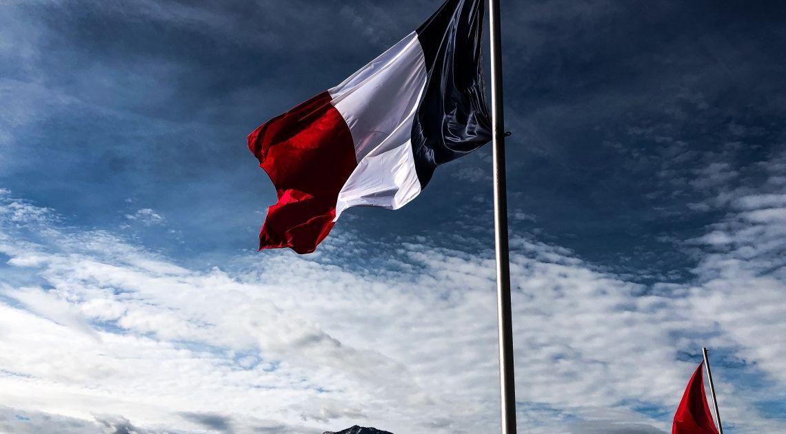 Francia quiere atrasar su pago de la tasa