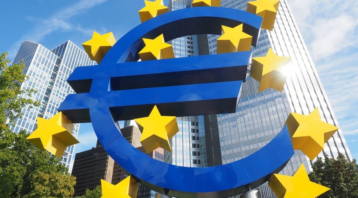 """Indecisa y vacilona es la situación del cambio de la Divisa Europea """"EUR"""" frente al Dolar (USD) el Franco (CHF) y Yen (JPY)"""