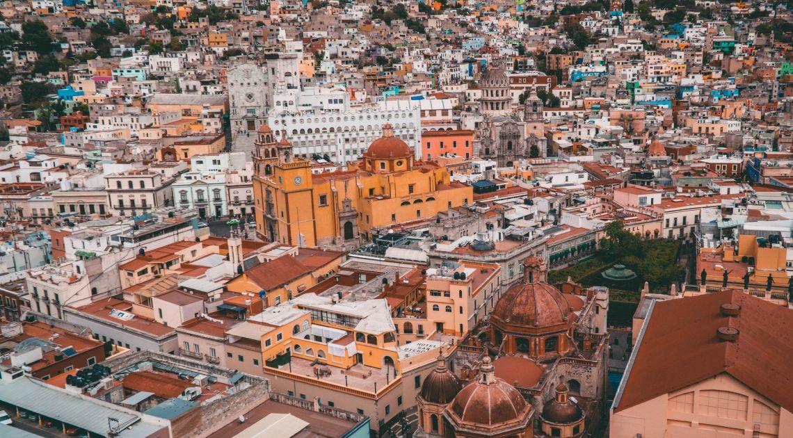 La cotización del euro con el peso mexicano. La UE y México planifican estrechar relaciones comerciales.