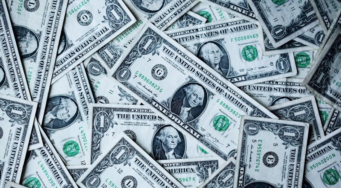 La cotización del euro contra el dólar. La Fed ha decidido la política monetaria.