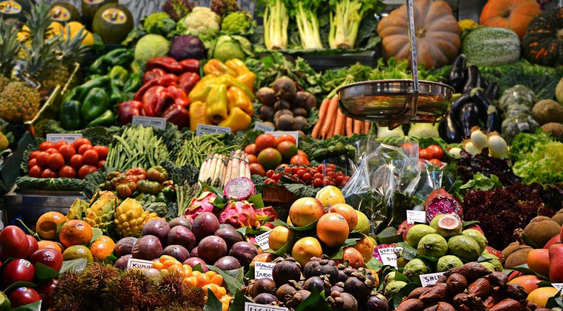 Los alimentos encarecen hasta un 12,8%