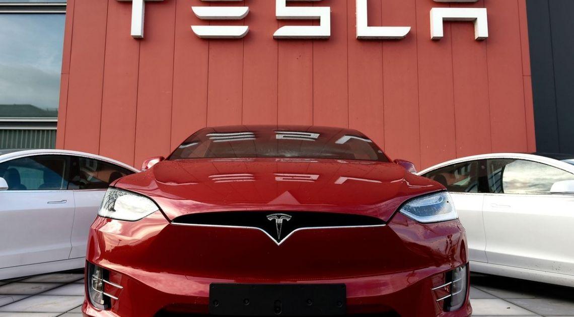 Ponerse corto en Tesla con Opciones
