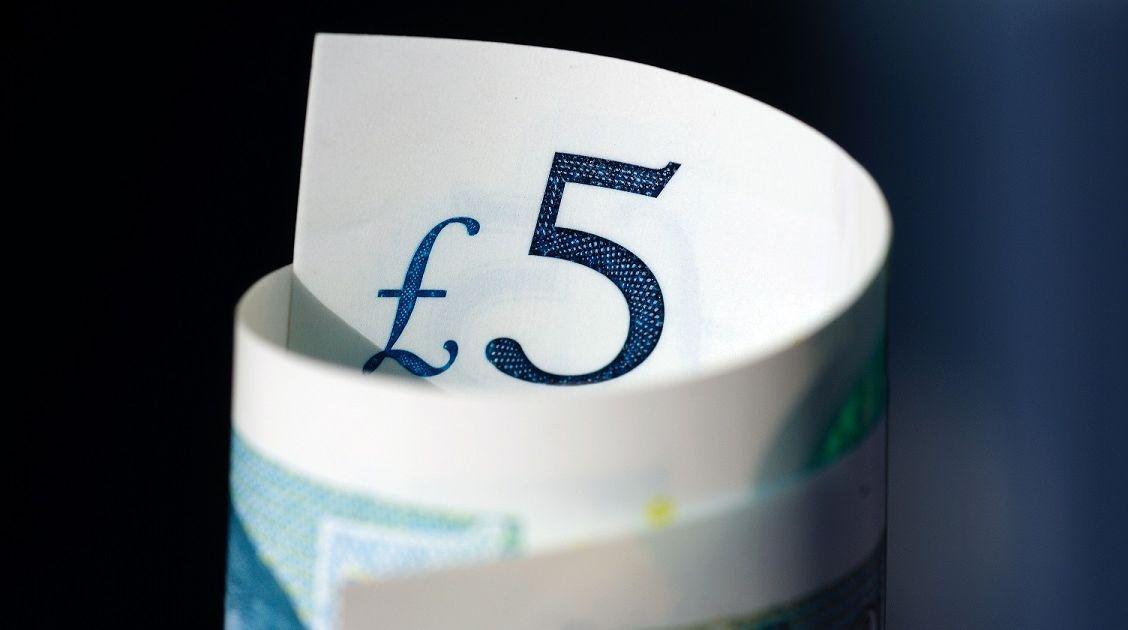 ¿Qué está pasando con la libra? La cotización GBPUSD y GBPEUR está cayendo... Analizamos también el cambio del euro contra el dólar y del dólar contra el franco suizo.