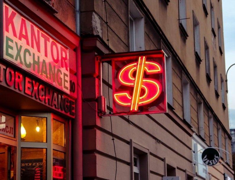 Yen se revalúa frente al dólar americano