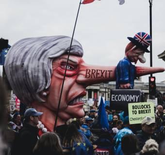 ¡El Brexit revoluciona los índices, con subidas del 0.37% en el Ibex 35! ¿Hasta cuándo se mantendrán los descensos en el índice S&P/BMV IPC? El índice Guayaquil a paso lento, pero en ascenso